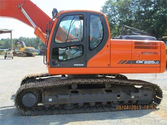 2012 Doosan DX225 SLR Crawler