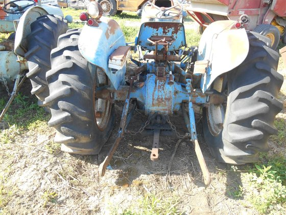 1965 Ford 3000 Tractor : Ford in quincy il usa