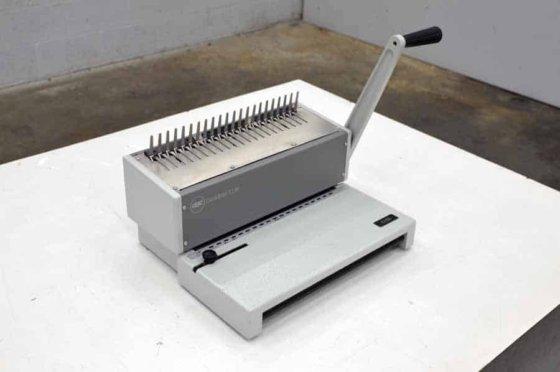 GBC CombBind C150 Plastic Comb Binding Machine in Maple
