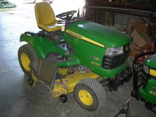 2007 John Deere X740 w