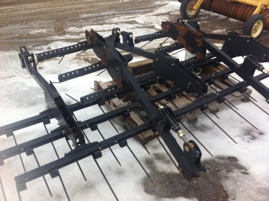 John Deere 714-HARROW ATTACH in