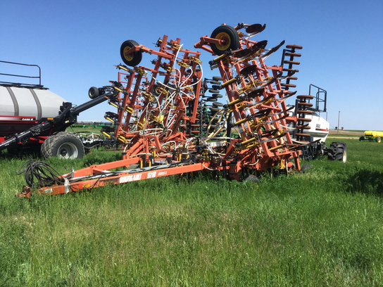 2001 Bourgault 5710 in Beach,