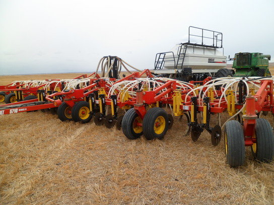 2004 Bourgault 5710 in Beach,