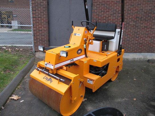 2012 Leeboy 400SD in Wallingford,