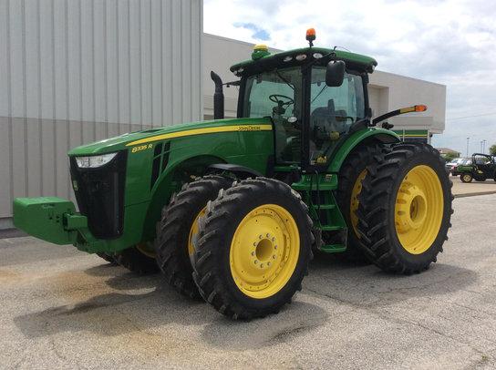 2013 John Deere 8335R in