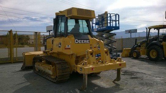 2012 John Deere 700J in