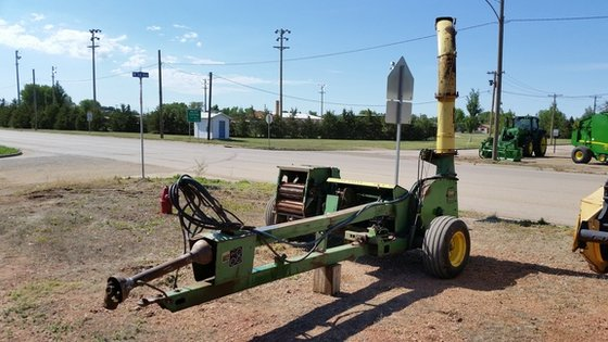John Deere 3960 in Lemmon,