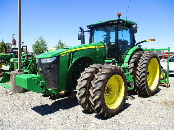2013 John Deere 8285R in