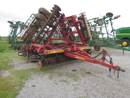 2009 McFarlane RD-4030-RB in Farina,