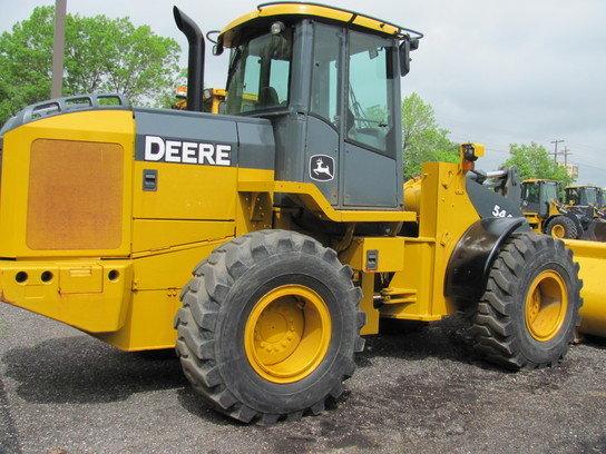 2005 John Deere 544J in