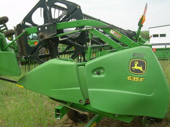 2012 John Deere 635F in