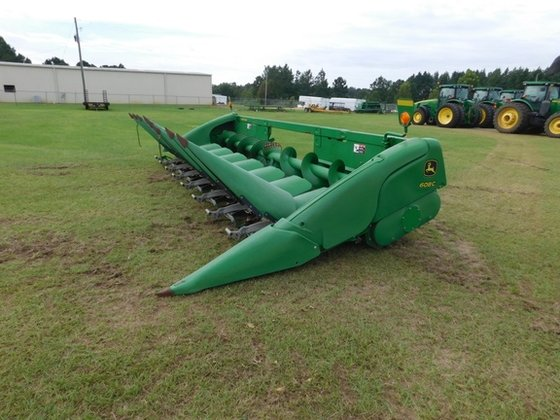 2013 John Deere JD608C in