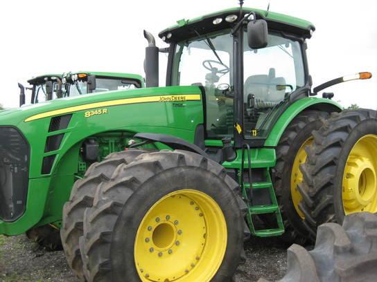 2010 John Deere 8345R in