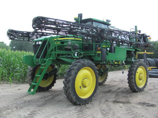 2012 John Deere 4830 in