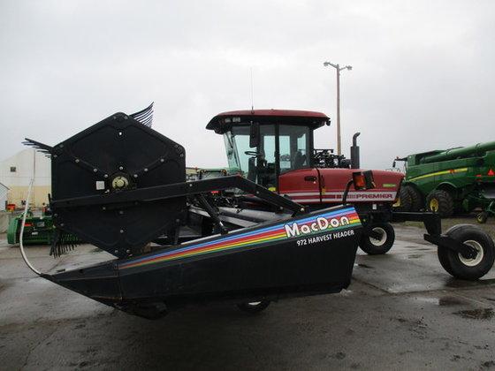 2001 MacDon 2950 in Fort