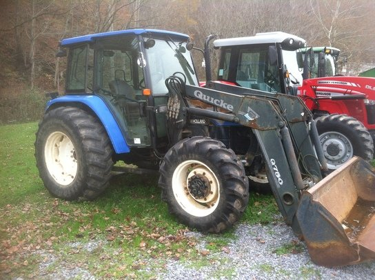 2001 New Holland TL100 in