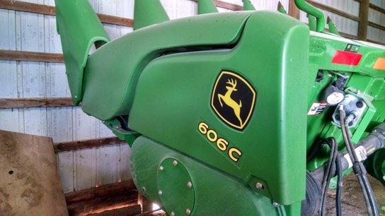 2012 John Deere 606C in