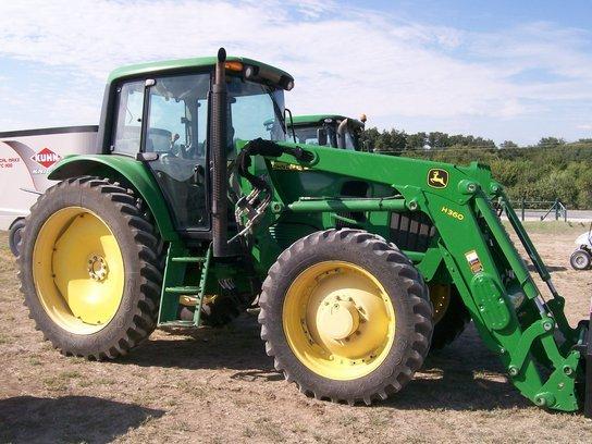 2012 John Deere 7130 in