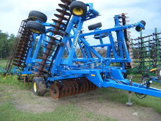 2012 Landoll 7431-VT 33' DISK
