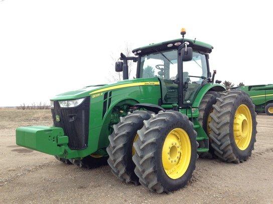 2014 John Deere 8335R in