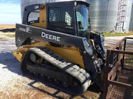 2013 John Deere 333E in