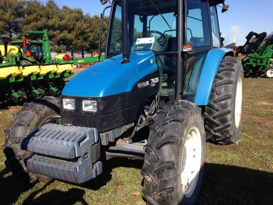 1998 New Holland 7635 in