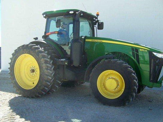 2013 John Deere 8310R in