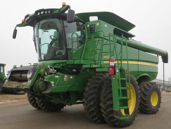2012 John Deere S670 in