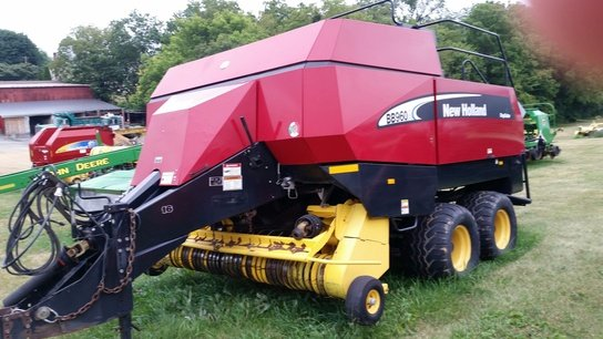 2004 New Holland BB960A in