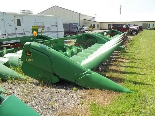 2012 John Deere 608C in