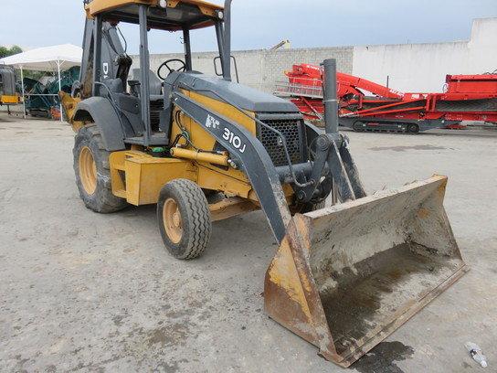 2012 John Deere 310J in