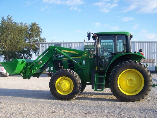2009 John Deere 7330 in