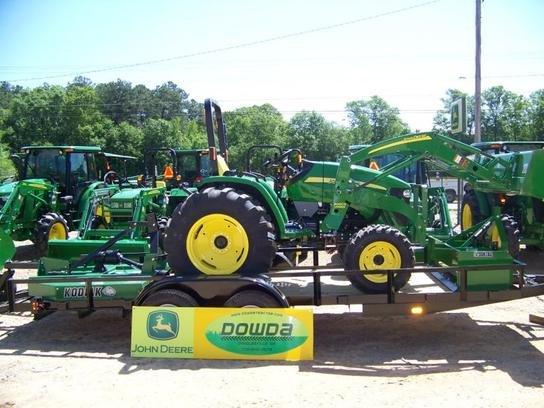 2016 John Deere 4105 in