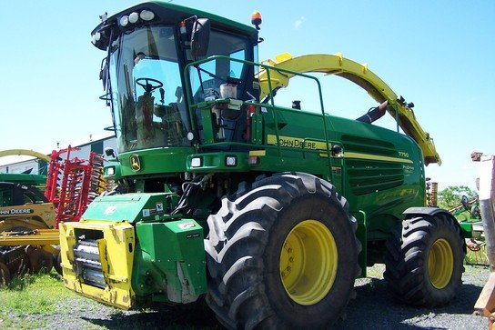 2011 John Deere 7750 in