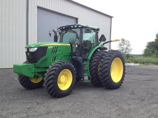 2013 John Deere 6190R in