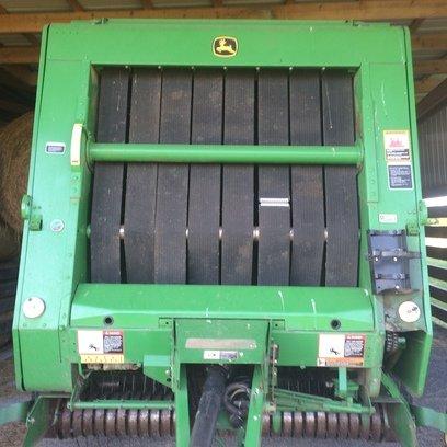 2005 John Deere 567 in