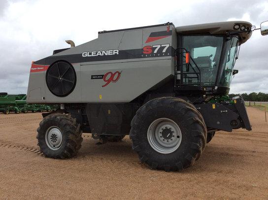 2013 Gleaner S77 in Greensburg,