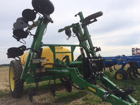 2012 Farm King 1460 in