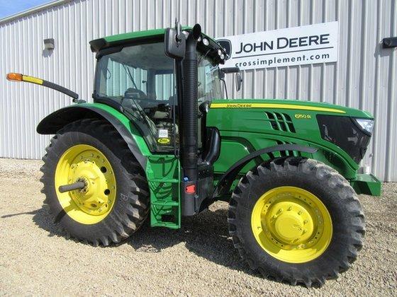 2013 John Deere 6150R in