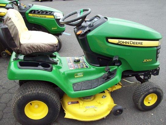 2008 John Deere X300 in