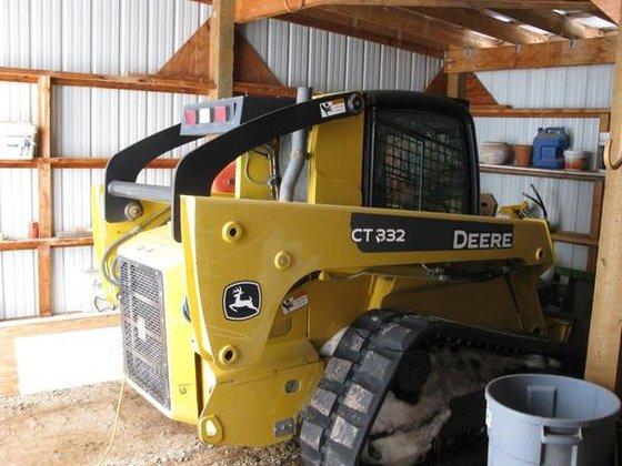 2007 John Deere CT332 in