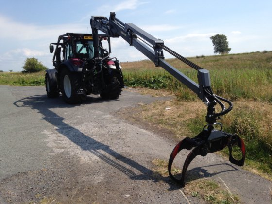 2017 T174 Valtra Tractor with 8020L Kronos Crane, Werner