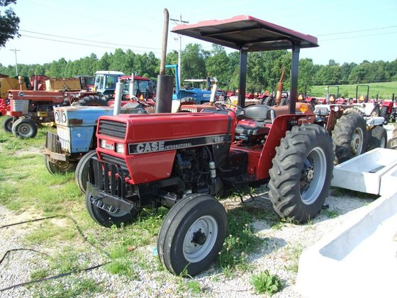 Case IH 485 2wd, ROPS,