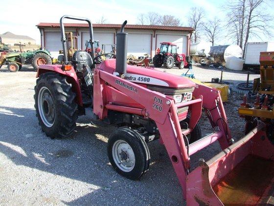 Mahindra 4500 2wd, with ML260