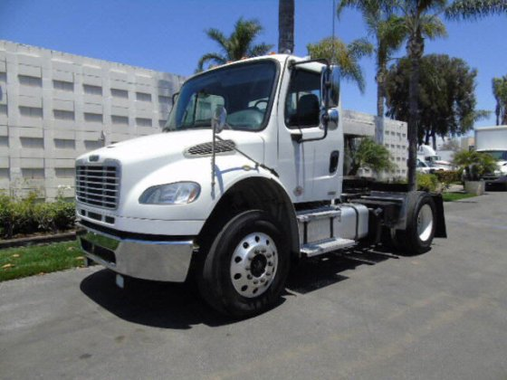 2012 Freightliner M2 2 AXLE TRACT in Riverside, CA, USA
