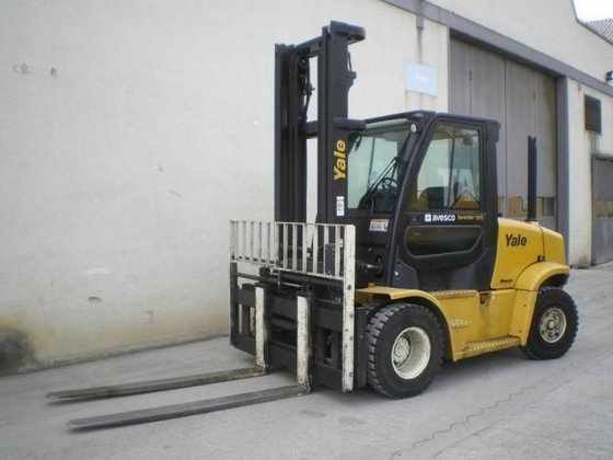 2009 Yale GDP70VX in Langenthal,