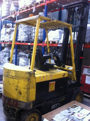 2001 Hyster H4.00XL in Bucharest,