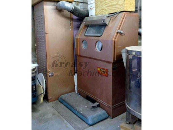 Clemco ZERO Blast-N-Peen, BNP 55-7 blast cabinet w/ dry filter reclaim  unit  #3784 in New York, NY, USA