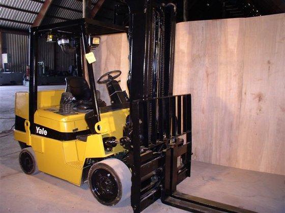 2003 8, 000 lb. Yale