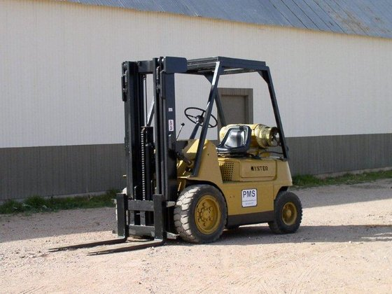 4, 000 lb Hyster H